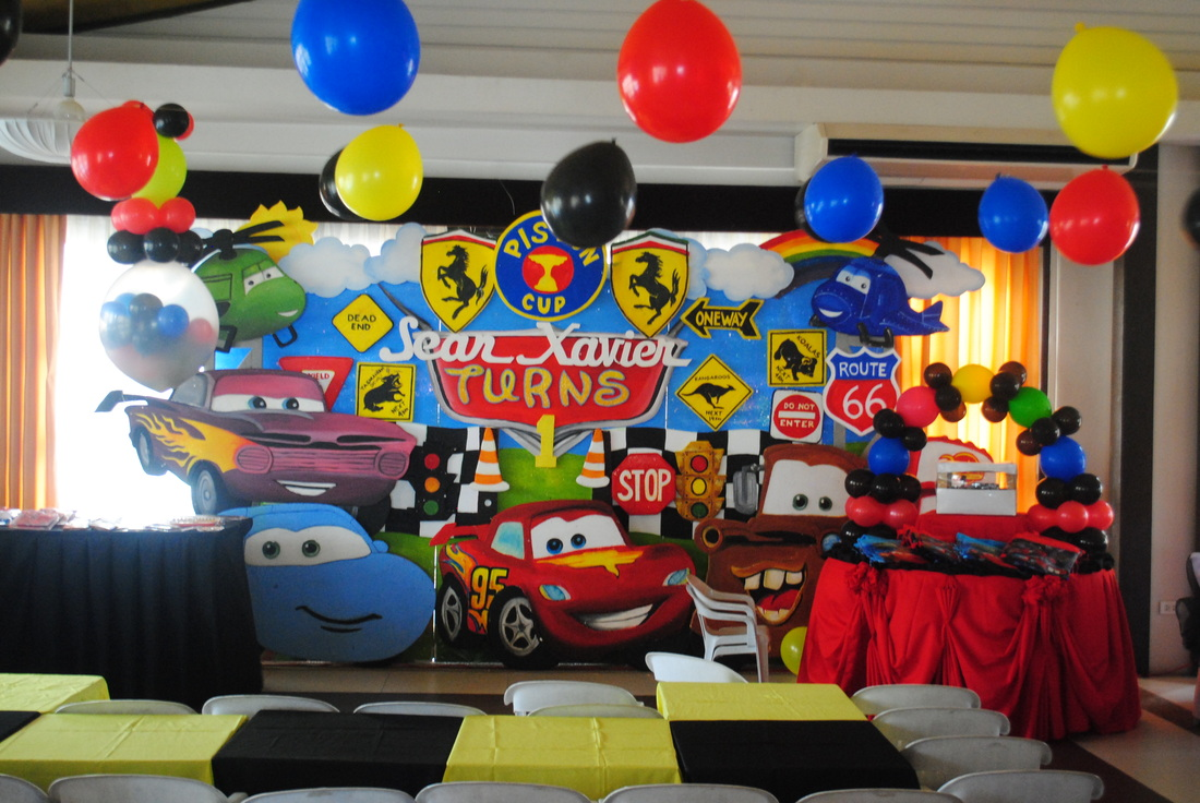 Styro backdrop design daniela party needs for Balloon decoration cars theme